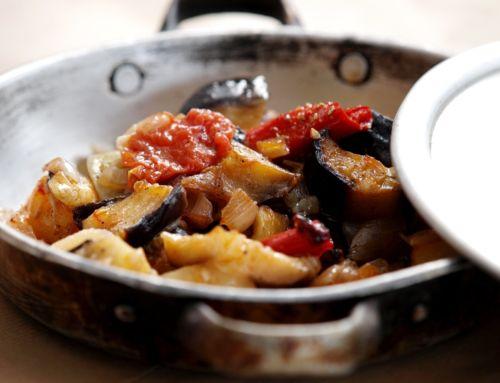 Σουφικό: Πώς θα φτιάξετε το παραδοσιακό φαγητό της Ικαρίας (vid)