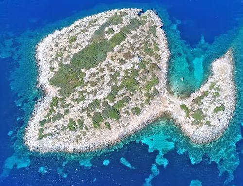 Φονιάς: Το νησί που γυρίστηκε το «Σειρήνες στο Αιγαίο»