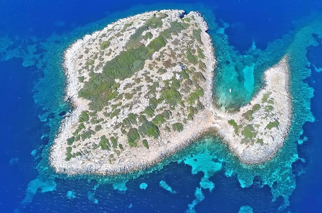 Φονιάς Εύβοιας Νησίδα